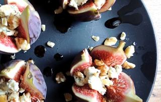 Инжир с горгонзолой и орехами рецепт