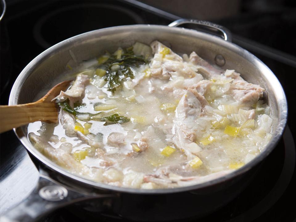 рыбный бульон с белым вином