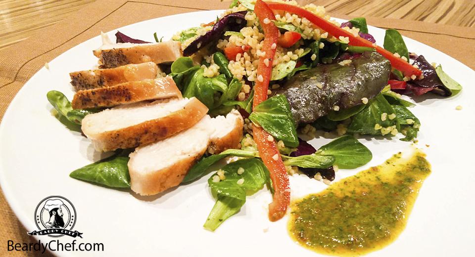Салат с булгуром и курицей 16х9