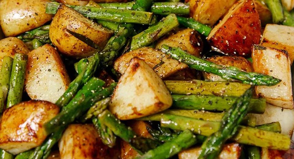 Рецепт спаржа с молодой картошкой 2